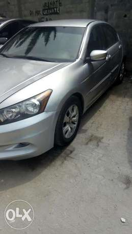 2011 Clean registered Honda Accord with leather seats available 2.3M Obalende - image 5