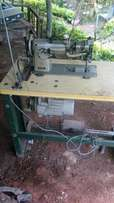 Industrial heavy sewing machine