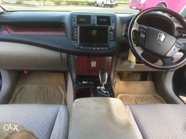 Toyota Crown new shape Trade in accepted Madaraka - image 8