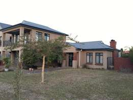 Beuatifull Home in Durbanville with Dubble Garage and Huge Back Yard