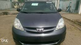 2006 Foreign Used Toyota Sienna