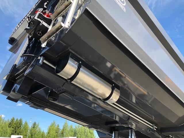 Iveco X-way 35x57 8x4 - 2018 - image 13