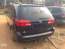 Extremely Clean Foreign Used Toyota Sienna Le 05