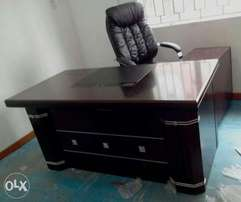 Executive Office Table 0675