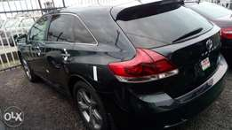 2013 thumb start Sparkling venza full option Lagos cleared