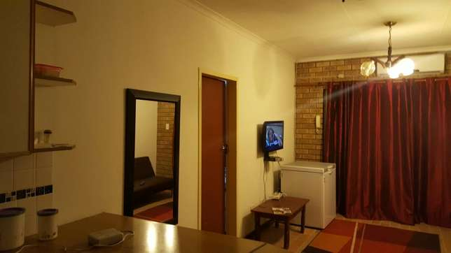 Devenish Park. Not a Bachelor Please. Sharing Student Accommodation Pietersburg North - image 3