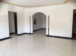 3 br house for rent in nyali