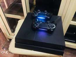 ps4 console with 2pad