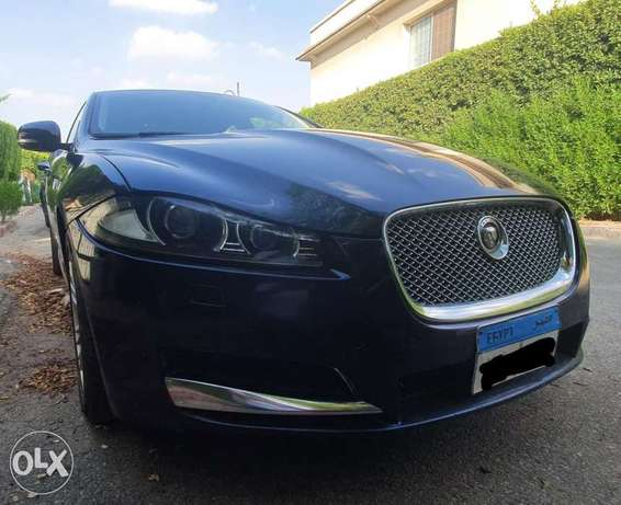 Jaguar xf premium luxury. 2 tone interior color