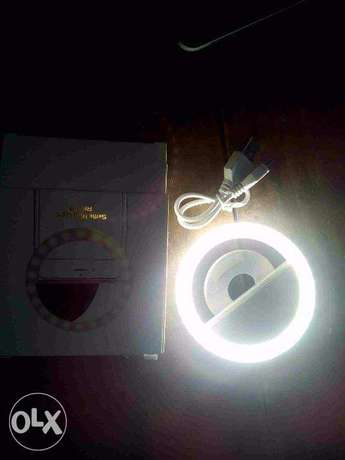 selfie stick with flash light included (new) Ado Ekiti - image 3
