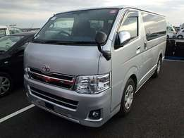 Toyota's hiace new imported.