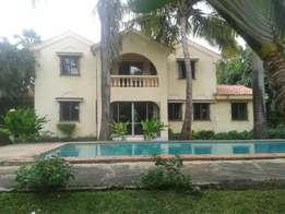 Executive 4 bed maisonette Nyali