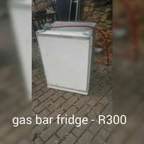 Gas bar fridge and freezer