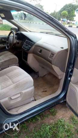 Toyota Sienna urgently for sell at affordable price in good condition Akure - image 6