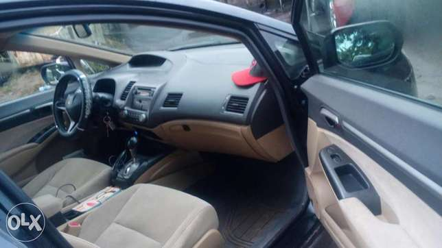 2007 automatic Honda civic firstbody with factory chilling AC Warri South - image 7
