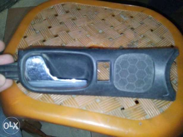 VW Audi A4 S4 Interior Door Handle Partاكره داخلي اودي