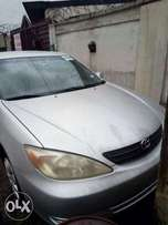 Tokunbo 2004 Toyota camry LE sedan. Lagos cleared