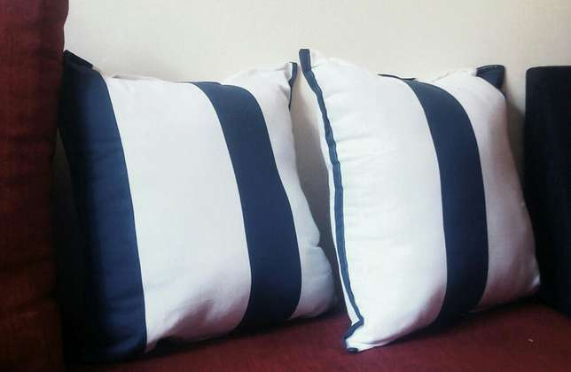 Fine fibre throw pillows pillows Nairobi West - image 2