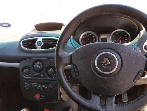 2008 Renault Clio 3 1.6 . ONLY 158000km Kuils River - image 7