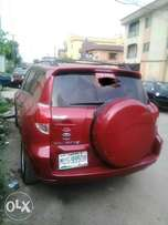 Very Sharp first body Toyota Rav4 2007 model for sale at Fola Agoro