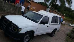 Toyota Hilux 2000 model for sale 24000