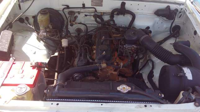 Toyota hilux for quick sale Pangani - image 7