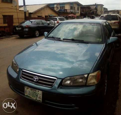 Registered Toyota camry, 2002 model. Lagos Mainland - image 1