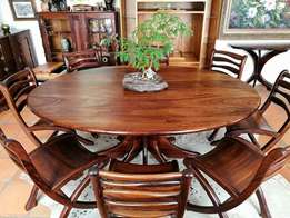 Exceptionally Beautiful Bespoke 10 Piece Rhodesian Teak Dining Set.