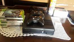 Xbox360 with 8games including fifa 16