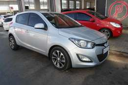 2013 model,hyundai i20 hatchback,silver,56 000km,for sale