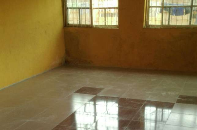 3bedroom flat in scoutcamp challenge Ibadan South West - image 2