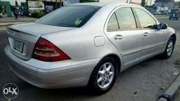 A very clean and neatly nija use Benz C180