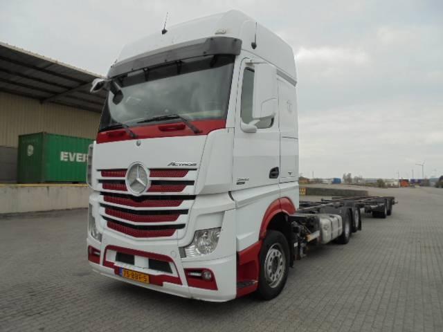 Mercedes-Benz ACTROS 2542 - 2012