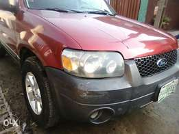 FORD ESCAPE 2005 model