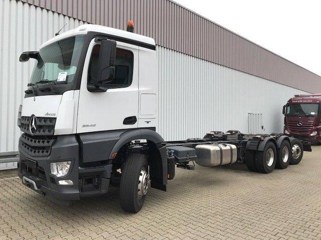 Mercedes-Benz Arocs 3242 L 8x4 Arocs 3242 L 8x4 Abschleppwagen, Kran HC - 2018