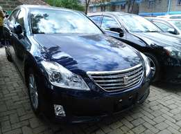 2009 Toyota Crown,3000cc,Power Steering,Alloy Rims with Back Camera