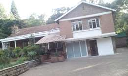 A well pointed 5 bed town house on 3/4 acre for an office-Kyuna.