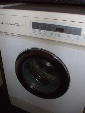 LG 7.2 Front Loader Washing Machine East Rand - image 1