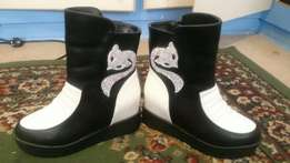 brand new 4 pairs of lady boots