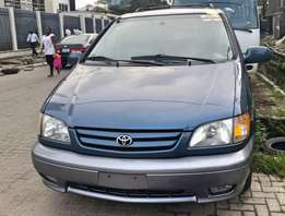 Toyota Sienna 2001 XLE( Tokunbo ) V6 Engine - Full Option ( Ist Body )