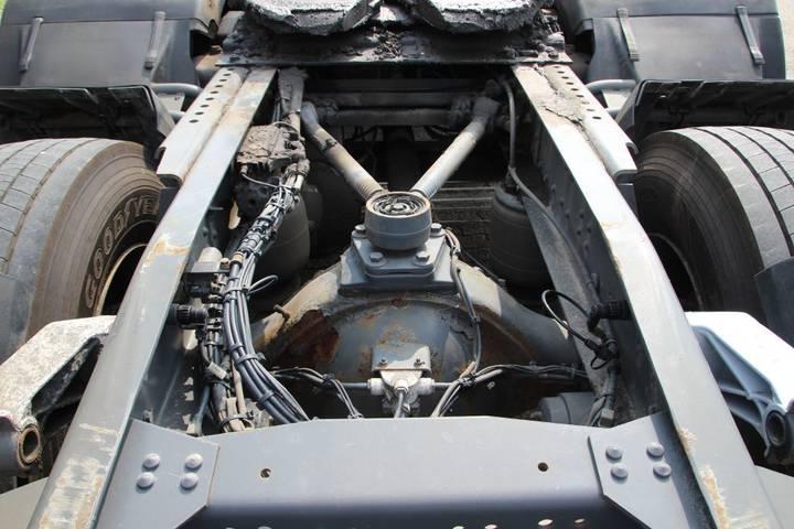 DAF FTG CF85/410 6x2 - 2007 - image 8