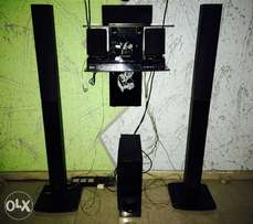 LG 1000W DVD Home Theater and Wall Mount for sale!