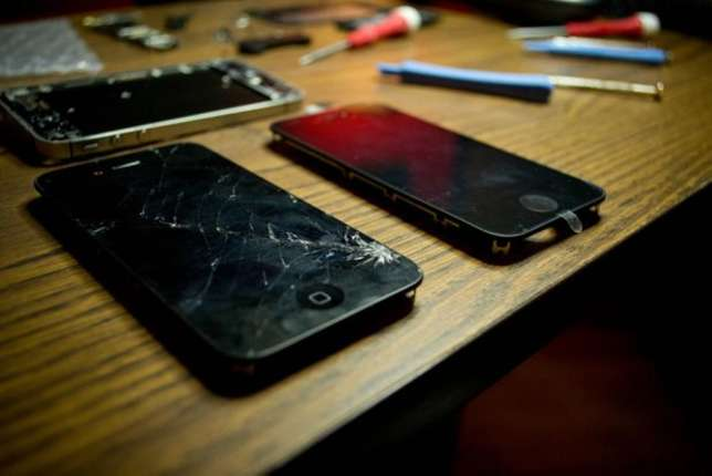 Iphone 4 4s 5 5s 5c 6 6s and 6splus screen replacement and repairs Nairobi CBD - image 3