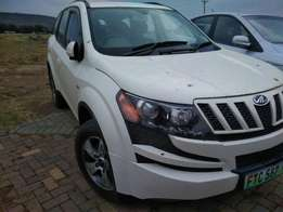 Mahindra XUV500 W8 for sale