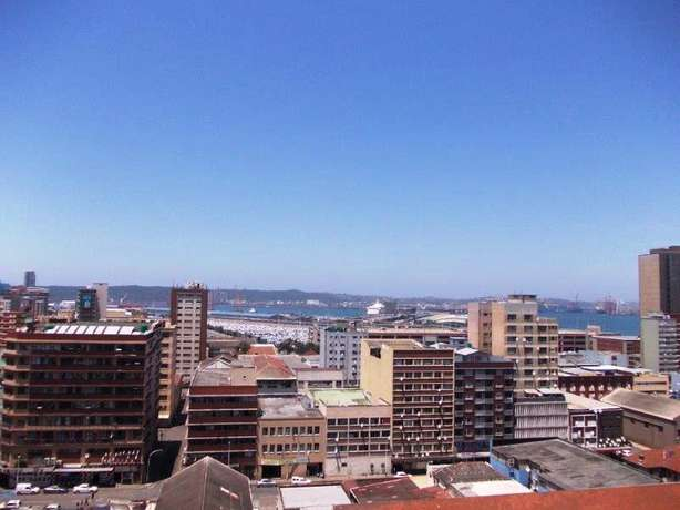 1.5 bedroom unit in South Beach Durban - image 8