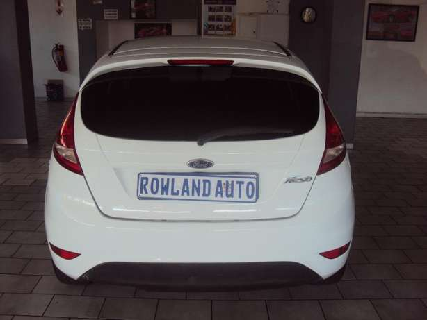 2012 Ford Fiesta 1.4 for sell R105000 Bruma - image 4