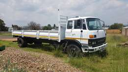 Mitsubishi open 8 ton truck with dropsides