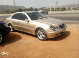 Very clean Mercedes e320 for saley