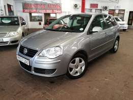 2007 VW Polo 1.6 Comfortline with ONLY 144000kms. Call Sam or Bibi