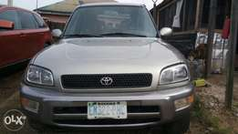 Nigerian used Toyota rv4 for sale